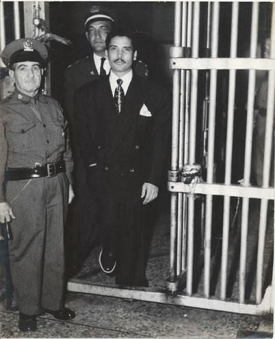 Daniel sale de la cárcel en Cuba - 1951.