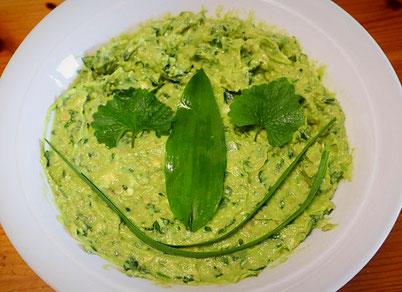 Knobicreme mit Avocado, Bärlauch und Knoblauchrauke