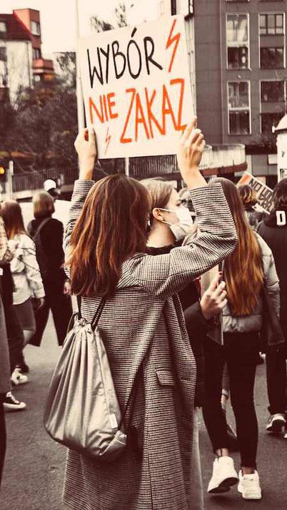 Протесты против закона об абортах в Польше