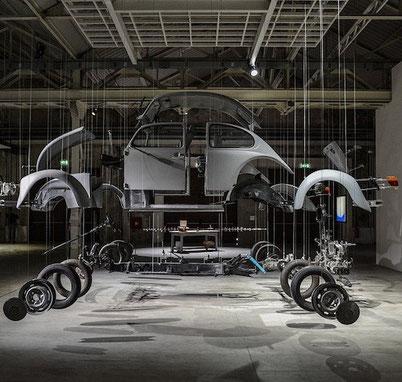 инсталляция в альтернативном месте Милана Hangar Bicocca