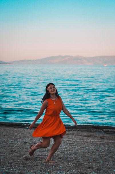 голубое море и чистый пляж в часе езды из Афин: Неа Макри - Марафон
