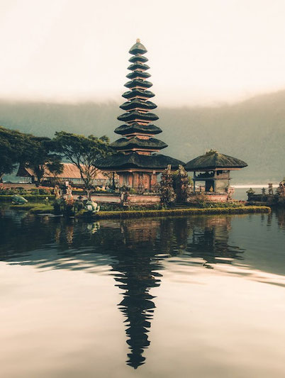 best travel book about self-discovery that will take you to Bali