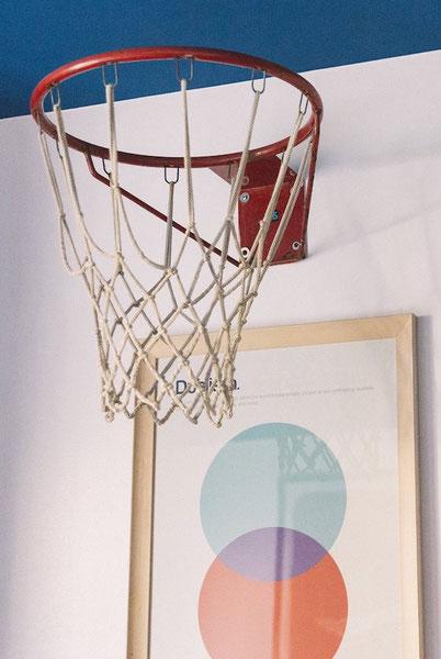 необычный отель в Милане в спортивной тематике - баскетбол