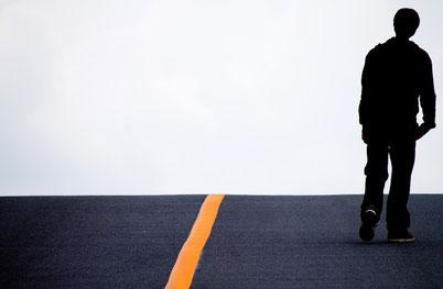 腰痛、肩こりに悩む奈良県御所市の男性