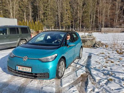 MAG Lifestyle Magazin Auto Motor Sport Elektroauto VW ID.3 Test Probefahrt Landarzt Salzkammergut Spassfaktor Spass Computer Aficionados futuristisches Design Leistung Gadgets