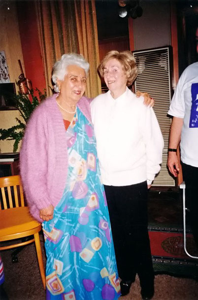 Betty ( R ) with Katie Irani in Melbourne, Australia