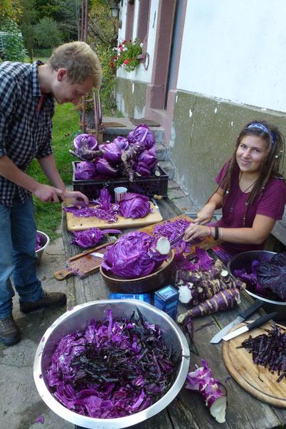 Victoria und Guillaume beim Sauerkrauten