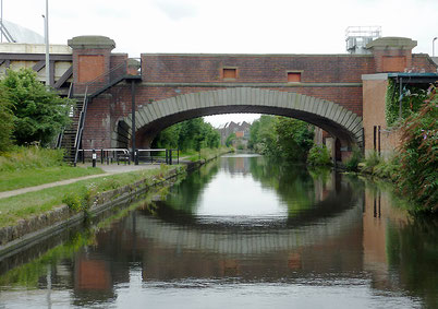 Small Heath Bridge No. 91 Copyright Roger Kidd on Geograph SP0885 Attribution-ShareAlike 2.0 Generic (CC BY-SA 2.0)