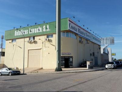 Das Verlagsgebäude liegt im Industriegebiet von Finestrat.