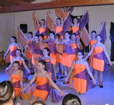 "Die Fortgeschrittenengruppe der ""Dancing Angels""."