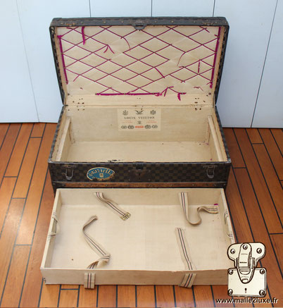 Cabine trunk Louis Vuitton red lock Cooper