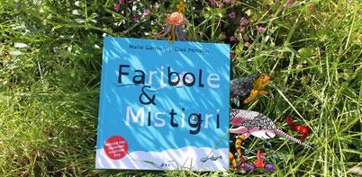 Les personnages du livre Faribole et Mistigri paru chez YIL Éditions s'échappent du livre illustré par Cloé Perrotin