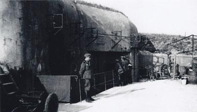 Soldats allemands devant le fort en 1940.