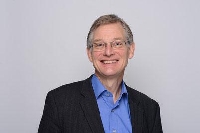 Ernst-Ludwig von Thadden, 58, ist Professor für Volkswirtschaftslehre und seit Oktober 2012 Rektor der Universität Mannheim. Seine Amtszeit endet im September. Er strebt keine zweite Amtszeit an, um sich wieder der Forschung und Lehre widmen zu können.