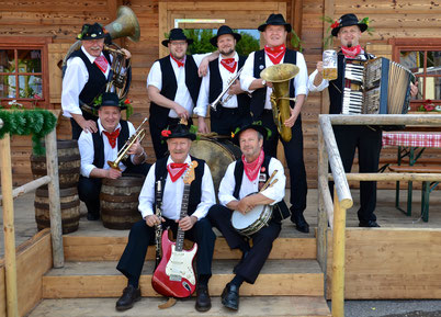 Jetzendorfer Hinterhofmusikanten beim 67. Arlberger Musikfest von 14. bis 16. Juli 2017 in Lech am Arlberg