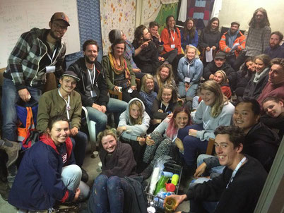 Help Refugees L'Auberge pre-eviction distribution team