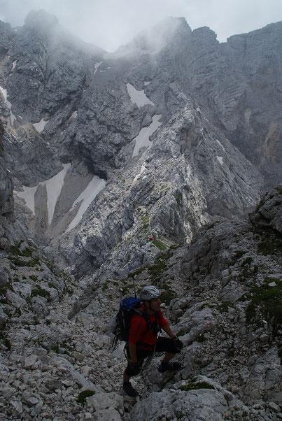 Rückblick zum Biwak Tarvisio (Bildmitte)