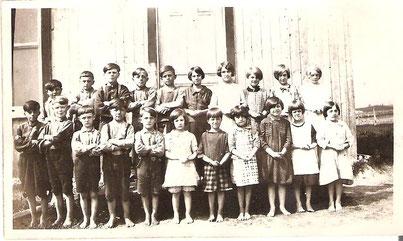 1928-1929. La mode était aux pieds nus