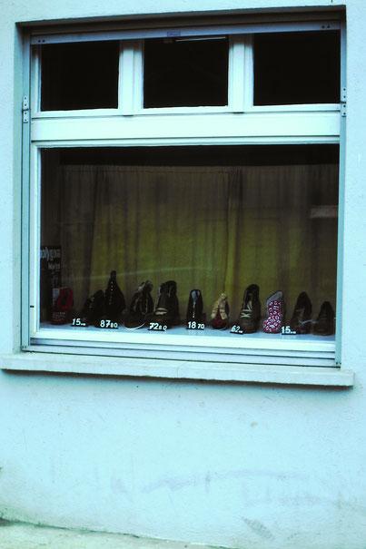 Schuhhaus Brogle: das Schaufenster (um 1981)