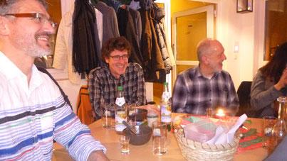 Alex Vorbeck, Hermann Bürgin und Norbert Döhner lauschen amüsiert
