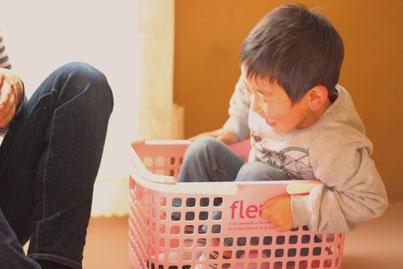最初は固まってた子が楽しそうに遊ぶ顔を見てほっこりしています