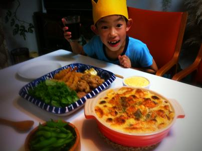ご飯のリクエストは、グラタン、唐揚げ、エビフライ、好きなもんばっかりだし、ガッツキ度もなかなかでした。