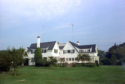 Der Kennedy-Compound in Hyannis Port, Massachusetts. Photo Credit: John F. Kennedy Presidential Library and Museum, Boston