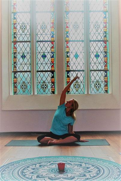 InBalance met Rietta yoga stoelyoga yoganidra