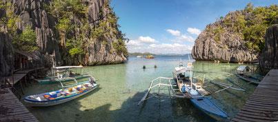 Pier to the Baracuda lake, Coron