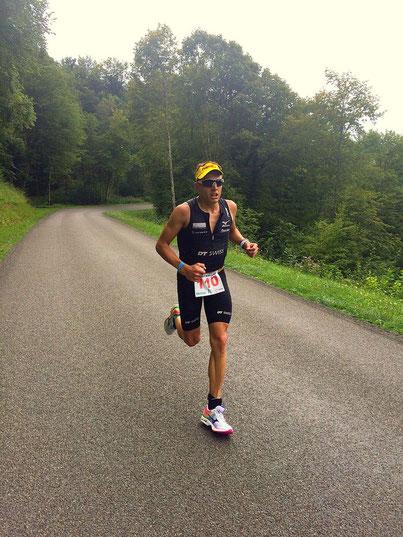 Auf den letzten Kilometern beim Triathlon International du Jura Vouglans (Fr)