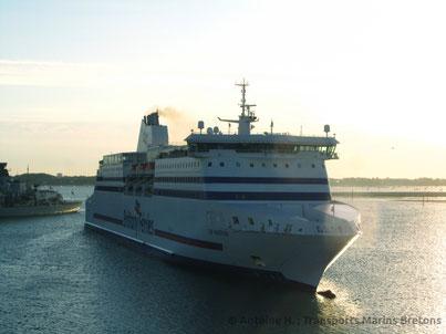 Cap Finistère faisant demi-tour à Portsmouth.