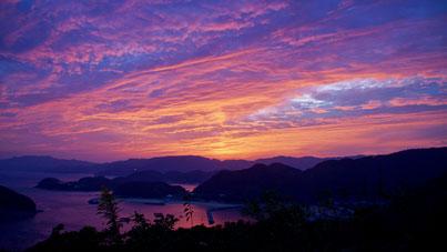 殿の山ファームからの西方の落日(台風接近中)