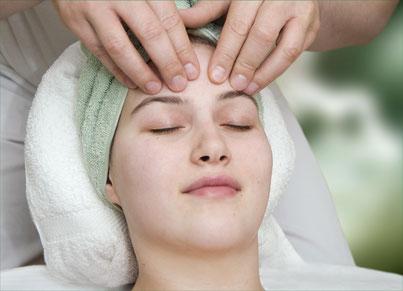 Kopfmassage setzt auch Glückshormone frei