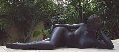 Aphrodite à la plage sculpture argile 2011.