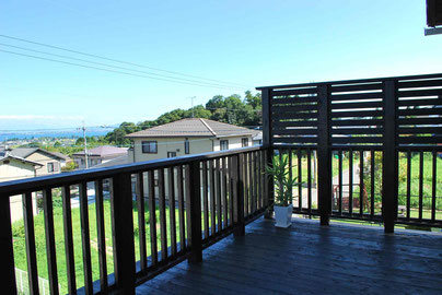 琵琶湖を見渡すデッキ リビングデッキ
