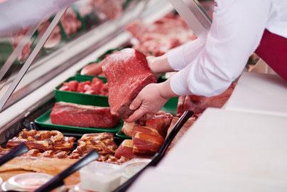 Große Auswahl an Fleisch und Wurstwaren. Rind, Schwein und Geflügel.