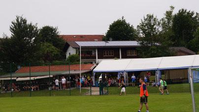 Fußballhütt'n mit Partyzelt im Juni 2015