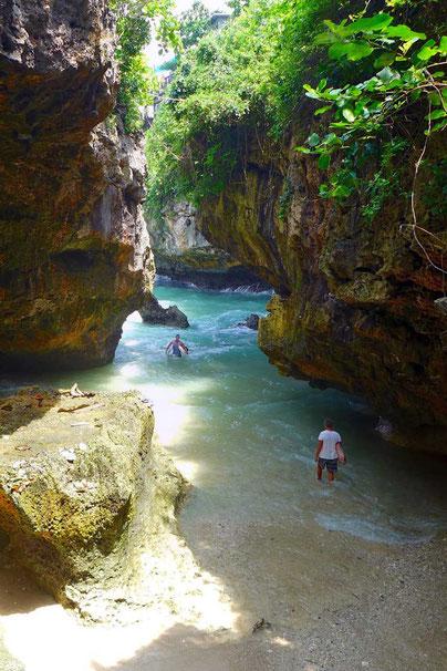 Gateway zu den legendären Uluwatu Surfbreaks