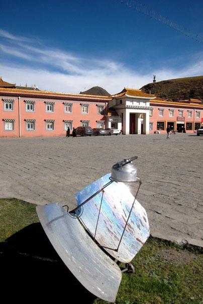 Tagong monastery, hot water