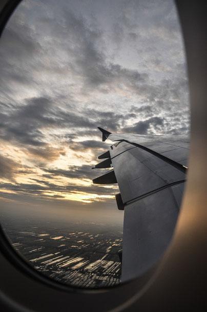 Morgendlicher Anflug auf Suvarnabhumi Airport (Foto: Daniel Schlenk)