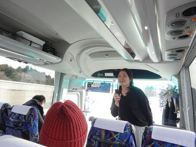 ツアーの案内を行うプロジェクト参加学生