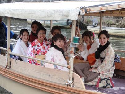 着付けをして小江戸佐原を舟で巡りました。