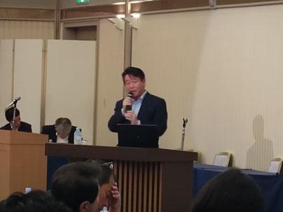 講演を行う関部長(㈱ちばぎん総合研究所)