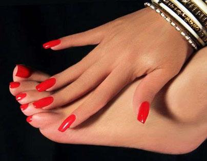 Pose ongles mains et pieds 3075, Euro 6,10 (4000 FCFA)  Réduction 1000 FCFA