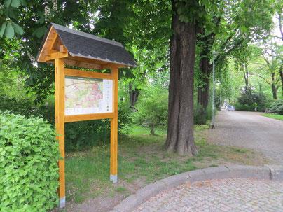 Orientierungstafel an der Haltestelle Schunckpark