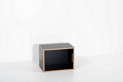 room³ kleines Regal / Nachttisch / Beistelltisch / Sitzgelegenheit