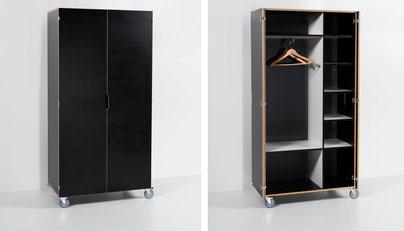 links Schrank geschlossen, rechts offen mit Garderobe und verstellbaren Tablaren