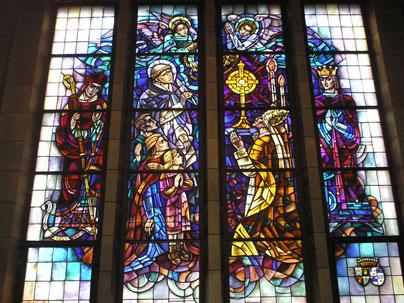 Vitrail offert par le Comte et la Comtesse Stanislas de Meeûs d'Argenteuil à la Basilique de Koekelberg