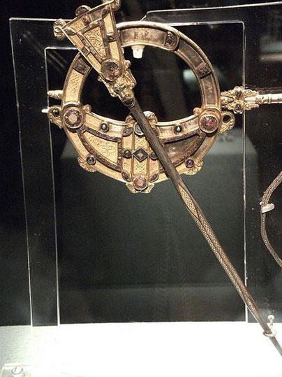 La broche de Tara. Wikipédia