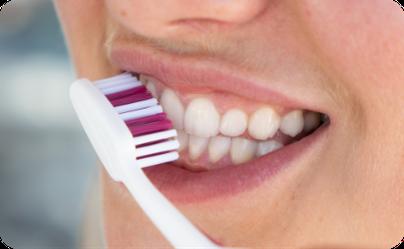 So putzt man doch nicht Mal die Schuhe, warum dann die Zähne? ©SOLO-MED GmbH